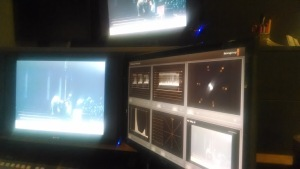 You can see an image from the film real to the right and on the left the monitors showing the color variances.
